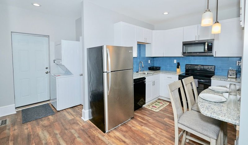BEAUTIFUL Renovated Condo 15 MINS From Downtown CENTER CITY, holiday rental in Marple Township