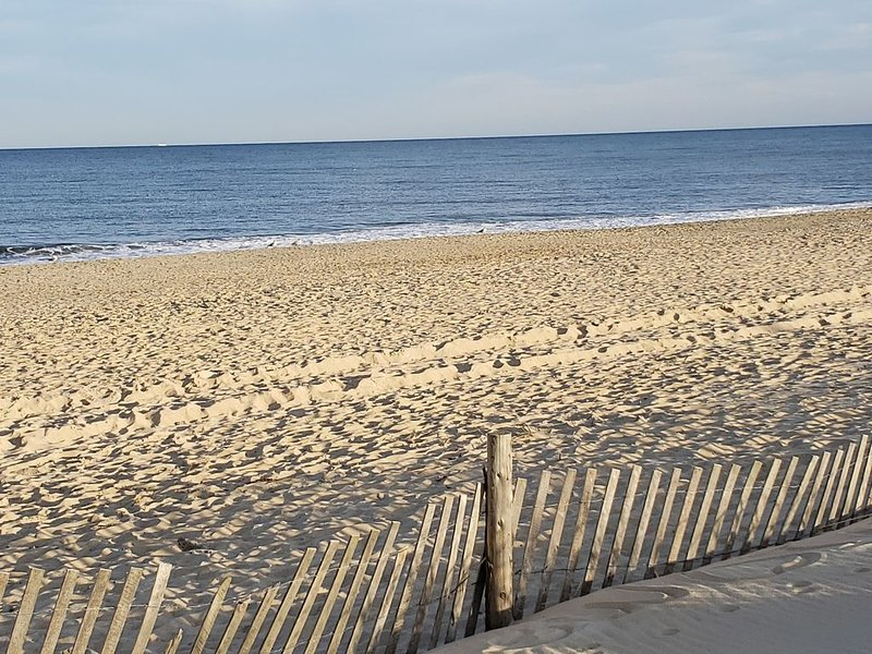 Great home in Rehoboth Beach area w/pool, marina, crabbing, tennis & more., holiday rental in Harbeson