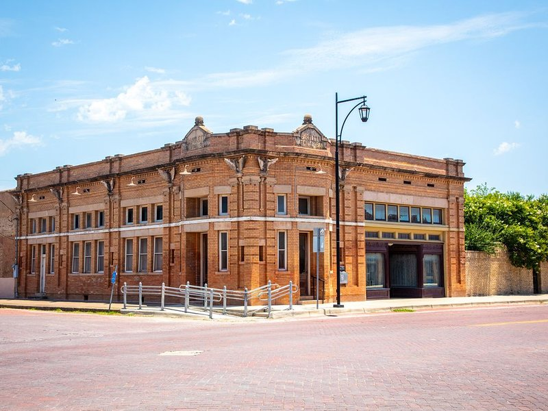 Sleep in a Historic Bank, holiday rental in Belton