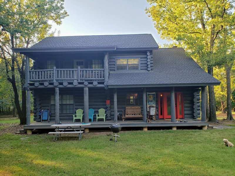 Log Cabin in the Woods, casa vacanza a Muskogee