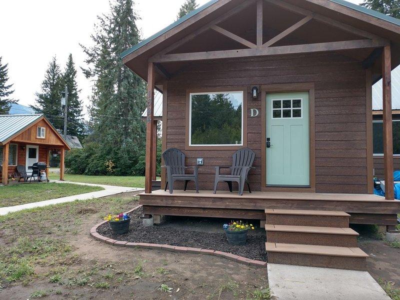 A cozy, affordable studio cabin close to Glacier Park, Flathead Lake  and more! – semesterbostad i Columbia Falls