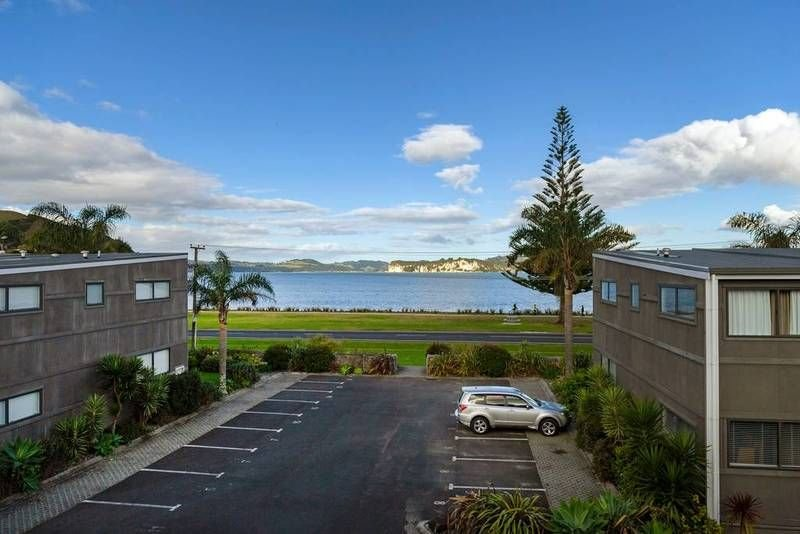 3 Bedroom, two level apartment with seaviews, holiday rental in Whitianga