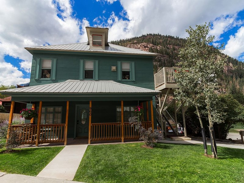 Ouray Hot Springs Condo - 'Eagles Nest' - Pet Friendly, holiday rental in Ridgway
