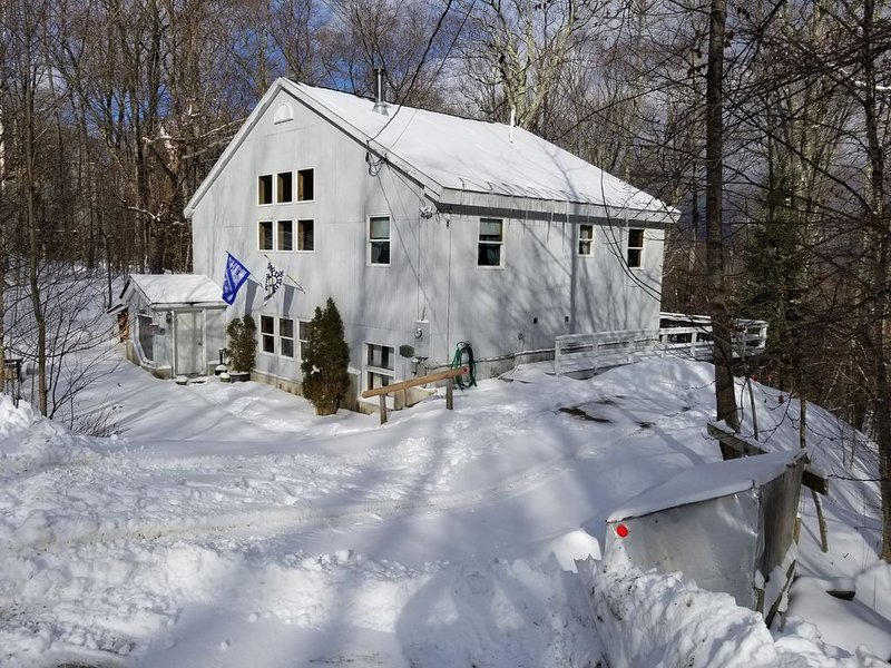 Killington, Vermont Ski House W/ Hot Tub and Sauna, alquiler vacacional en Barnard