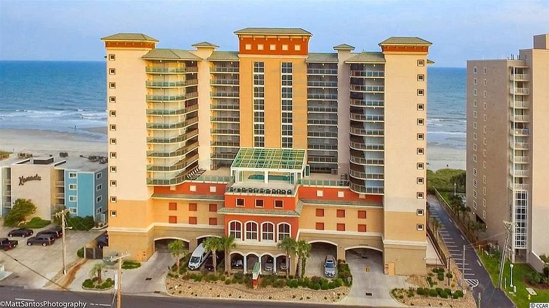 �Gorgeous Bahama Sands Luxury Condos 3BR/3BA Oceanfront Corner-Ocean Drive, holiday rental in North Myrtle Beach