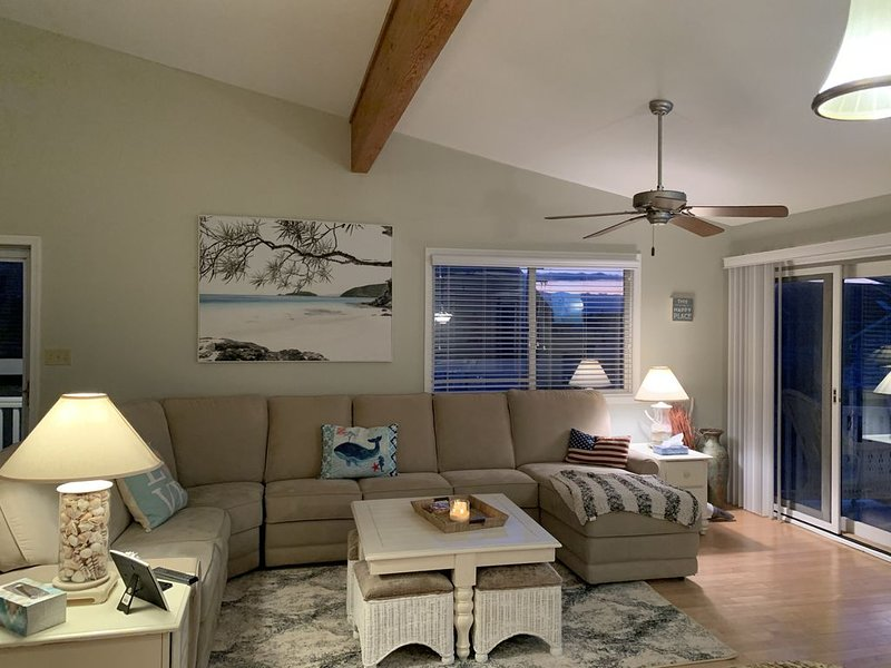 Family-Friendly South End Property:  Ocean side of Asbury (Beach tags included), holiday rental in Upper Township