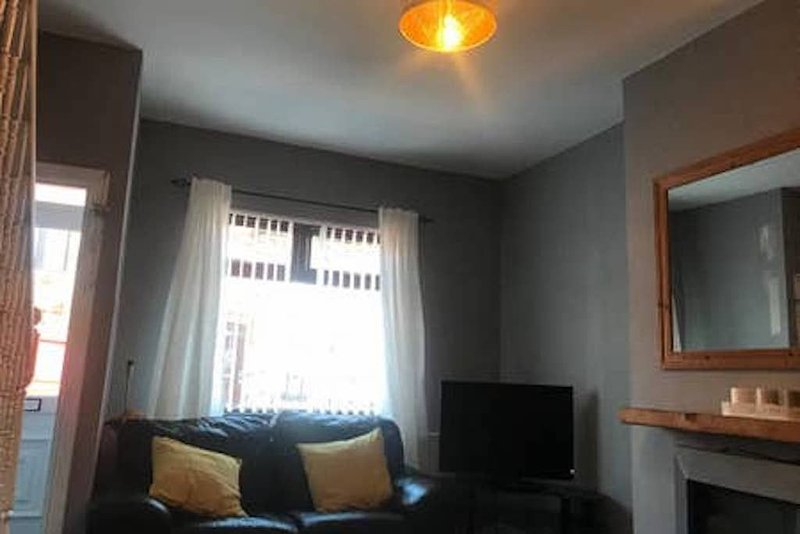 COSY HOME BELFAST CENTRAL, vacation rental in Drumbo
