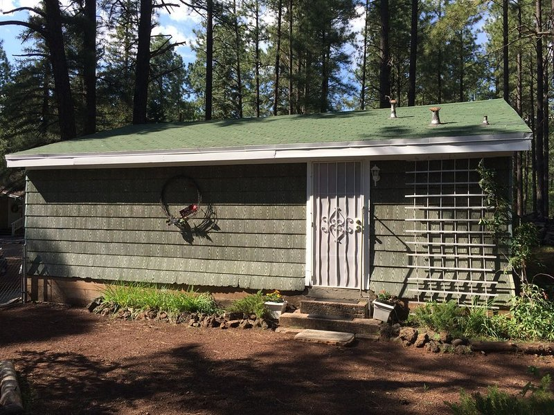 GUEST COTTAGE ON THE NATIONAL FOREST, alquiler de vacaciones en Pinetop-Lakeside