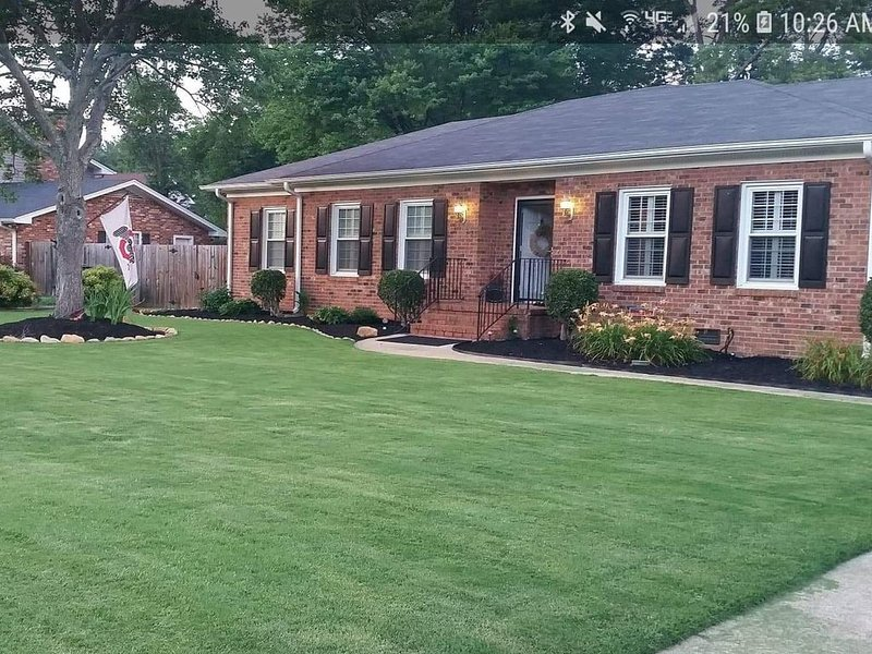 Relaxing Ranch Discounted Fall Rates!, holiday rental in Woodruff