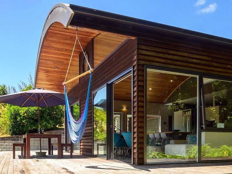 FlaxWater Bach - Lake Tarawera Holiday Home, alquiler vacacional en Lake Tarawera
