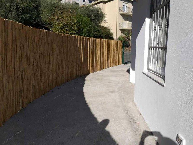 Alassio collina Moglio con terrazzo vista mare, aluguéis de temporada em Alassio