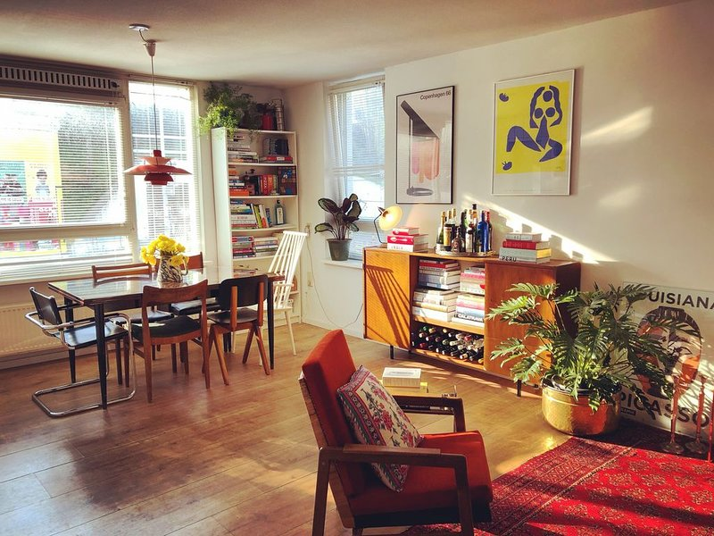 Cosy room - 15 mins walk to the centre, holiday rental in Weesp
