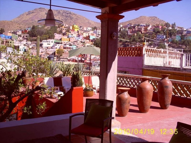 Colonial house from 1792 in the centro with heated pool and great views, location de vacances à Guanajuato