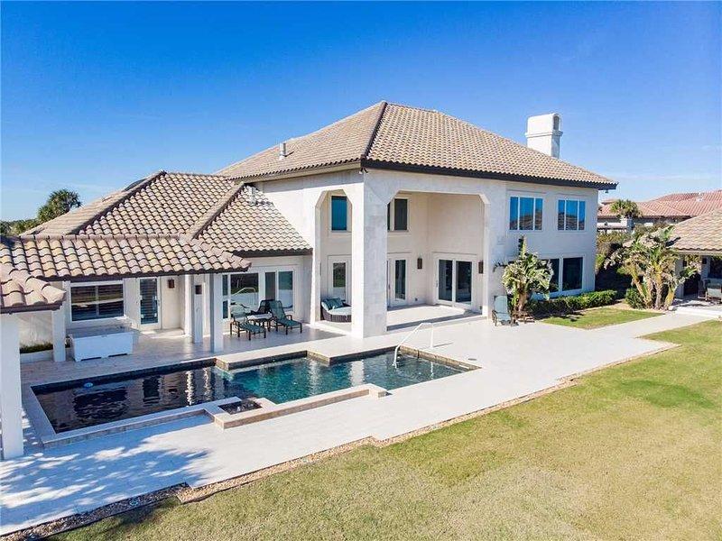 Paradise Palms, 5 Bedrooms, Beach Front, Pool, Diamond, Sleeps 12, alquiler vacacional en Ponte Vedra Beach