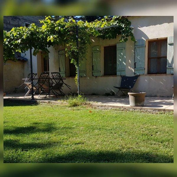 Gite de la bergerie, logement au cœur de la Camargue avec jardin et terrasse, vacation rental in Le Sambuc