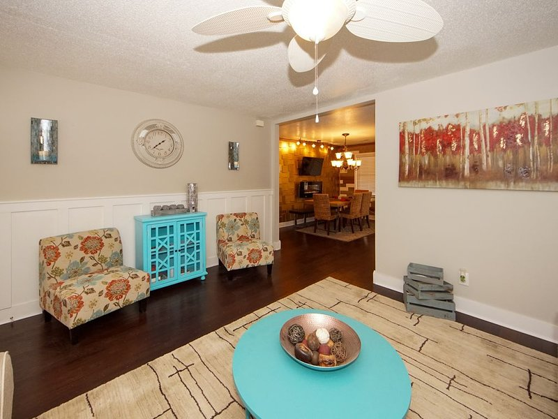 Renovated 4 bd, 2 ba Centrally located, mins to downtown, JBC, Airport, alquiler de vacaciones en North Charleston