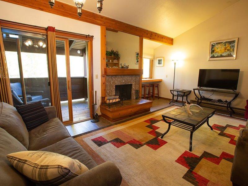 Aspens condo, 1 bedroom with loft, upstairs unit 1179 sq ft, location de vacances à Wilson