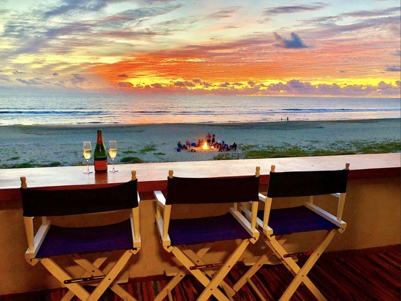 ★Sea-Esta ★BEACHFRONT★ Surf Condo! Pool & Hot Tub! Surf Views! Right On The Sand, vacation rental in El Pescadero