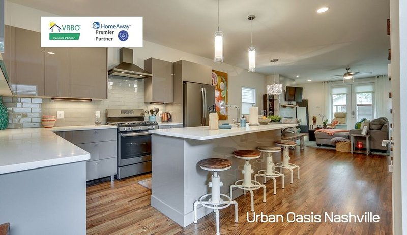 Ultra Cozy Downtown Nashville Home near all the entertainment, holiday rental in Whites Creek