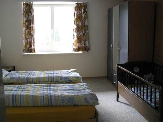 Ferienwohnung Gänsbrunnen für 6 - 7 Personen mit 3 Schlafzimmern - Ferienwohnung, vacation rental in Wangenried