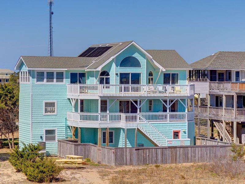Looney Dunes - Stunning 7 Bedroom Oceanfront Home in Waves, holiday rental in Waves