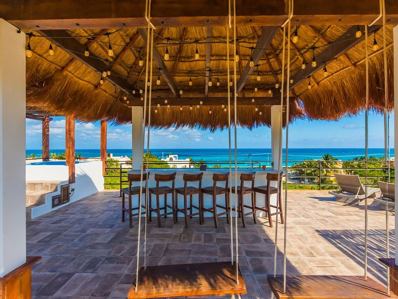 Casa de la Luna Loca for roof top Caribbean views and NEW LOW RATES, holiday rental in Playa Mujeres