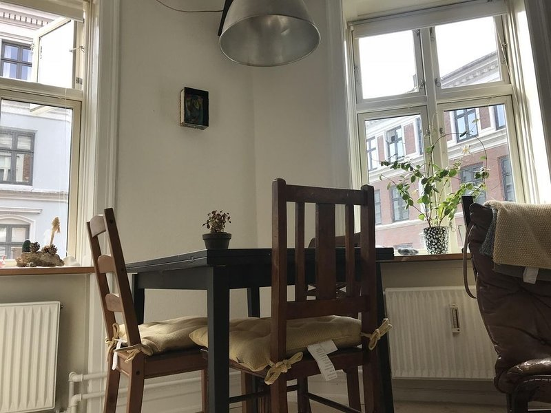 Cozy Flat near by the Central Station, Ferienwohnung in Roedovre Municipality