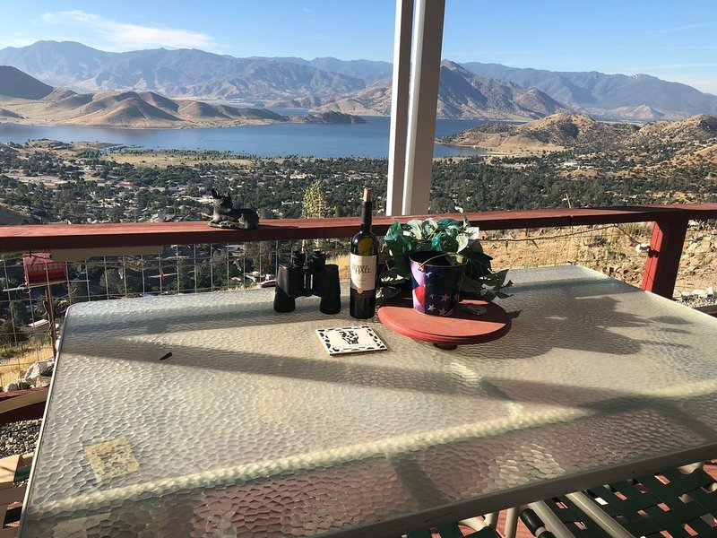 The Eagles Nest!!!!!, vacation rental in Kernville