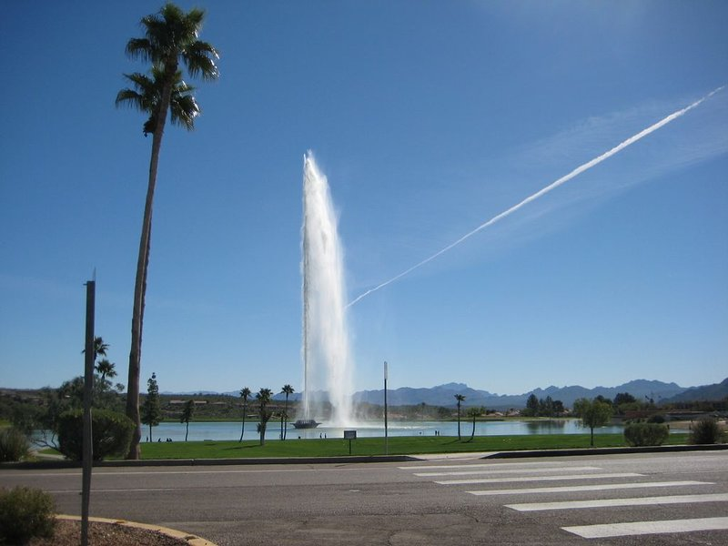 Mountains  views 360 degrees half a block from the tallest fountain in the US, alquiler de vacaciones en Fountain Hills