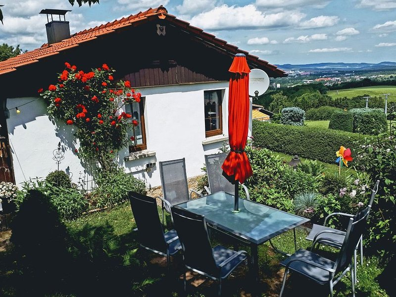 Detached holiday house in Thuringian Forest with garden and unique view, holiday rental in Neustadt am Rennsteig