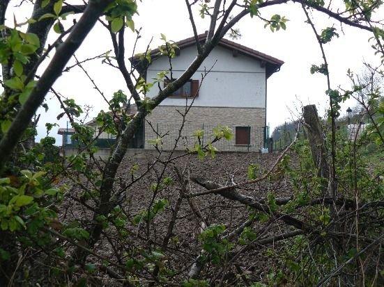 Casa rural (alquiler íntegro) Etxeondo para 10 personas, aluguéis de temporada em Lerate