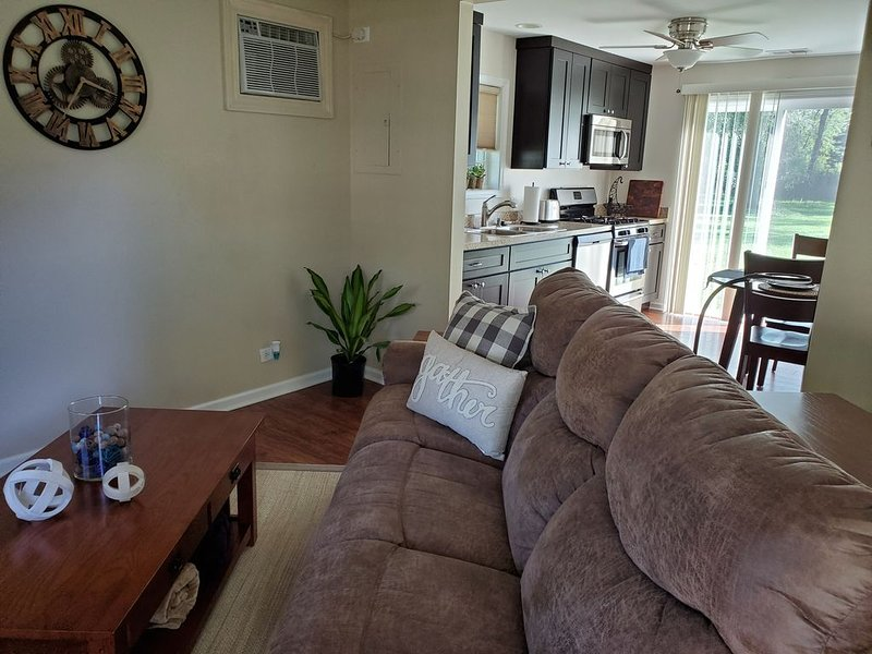 Cozy Cabin In Roselle, holiday rental in Arlington Heights