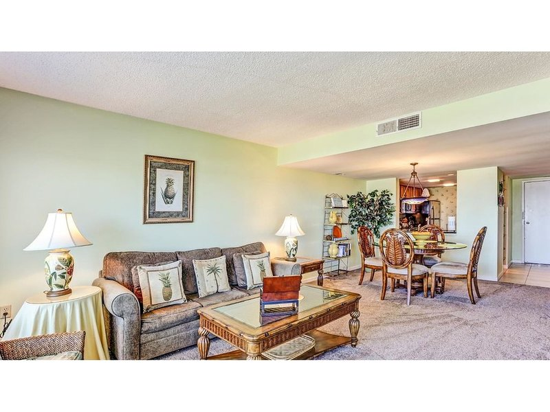 Beautiful and charming oceanfront condo., holiday rental in Yulee