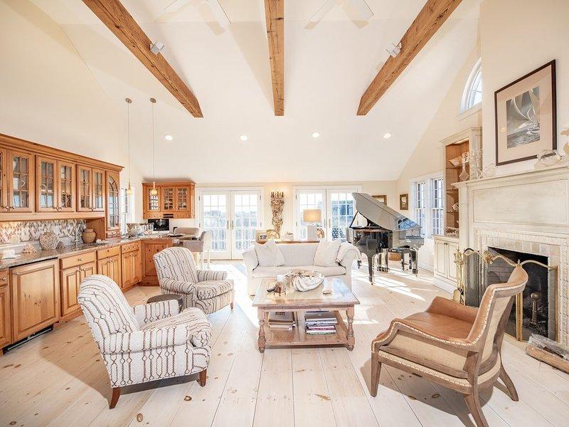 Completely Renovated Beach House, Beautiful Ocean Views, Ask abt 2-3 wk discount, alquiler vacacional en Siasconset