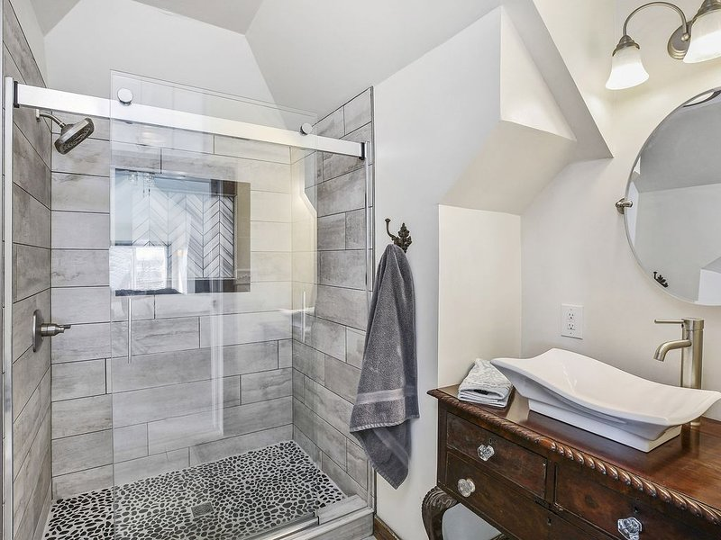 And another beyond gorgeous Custom Master Bath that is more of a Work of Art.