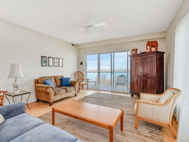 Sunset Bay Villa 221 is a fabulous Waterfront Condo that is Dog-Friendly & Sleeps 8.