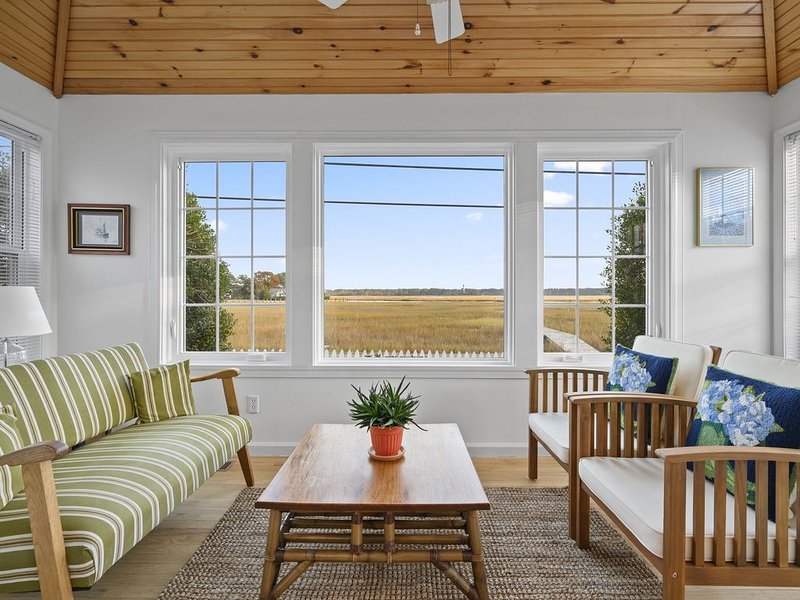This wonderful Chincoteague Vacation Home is located on the popular East Side.