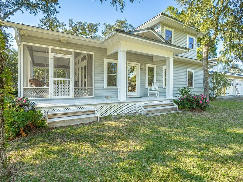 Ladderville Guest House on 'old' St. Teresa Beach, vacation rental in Panacea