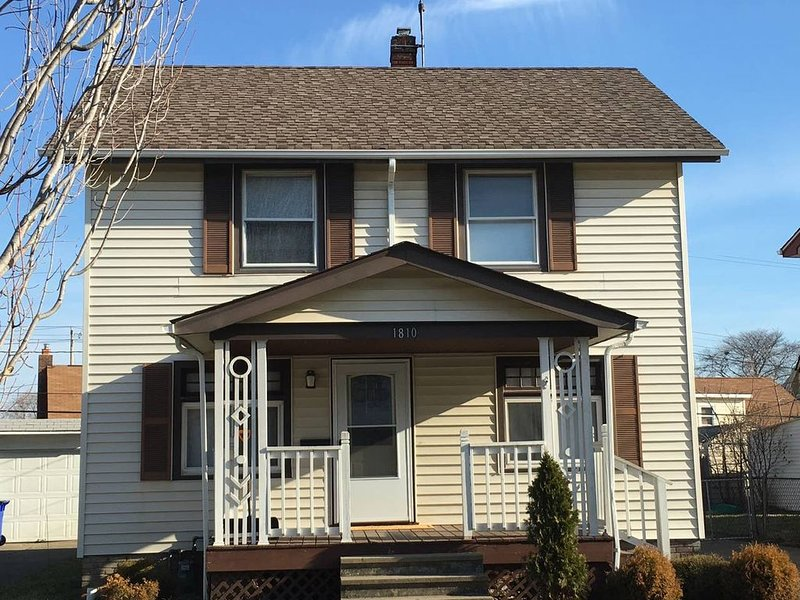 Saratoga #3 Updated Whole House Centrally Located, vacation rental in Brecksville