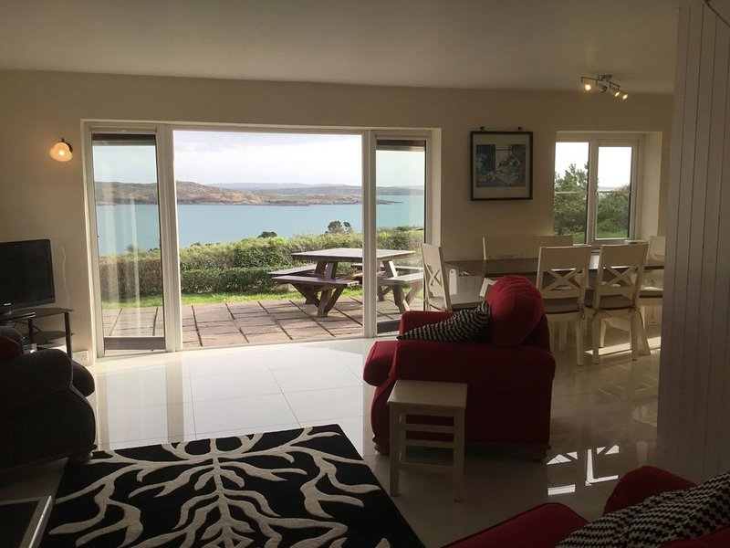 Stunning cottage, overlooking Harbour, holiday rental in Schull