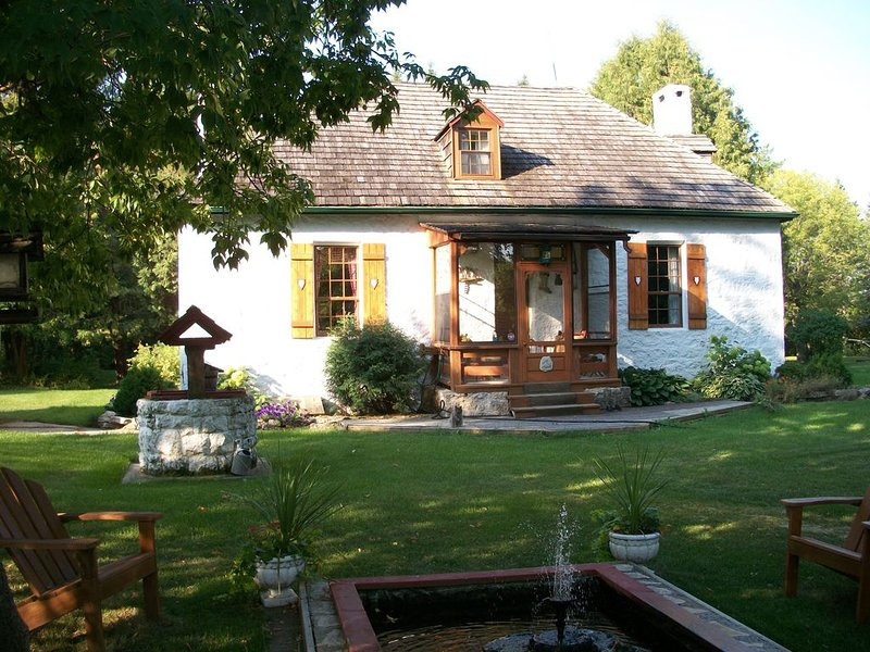 Heritage Red River stone house built by Thomas Bunn in 1862, holiday rental in Manitoba