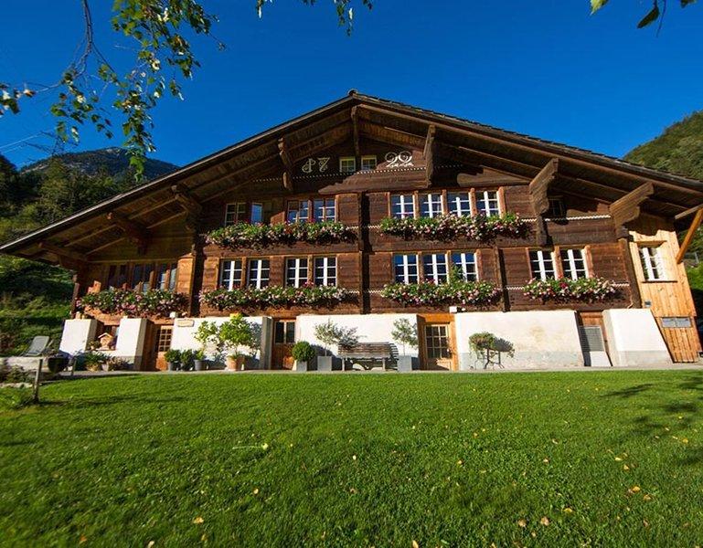 Ferienwohnung Innertkirchen für 4 - 13 Personen mit 4 Schlafzimmern - Ferienwohn, holiday rental in Wasserwendi