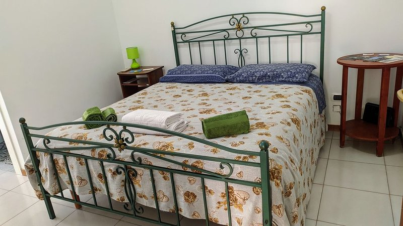B&B Naples Airport - Rooms and Fly, vacation rental in Orta di Atella