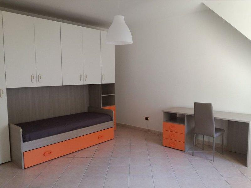 Posti letto in stanze singole al centro di Enna, holiday rental in San Nicola