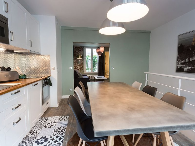 L'Epicerie chic : Cosy duplex 2 bedroom appartment - Eiffel tower, casa vacanza a Vanves