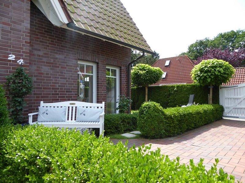Haus Pier 24  An der Rennweide 24A, holiday rental in Zetel