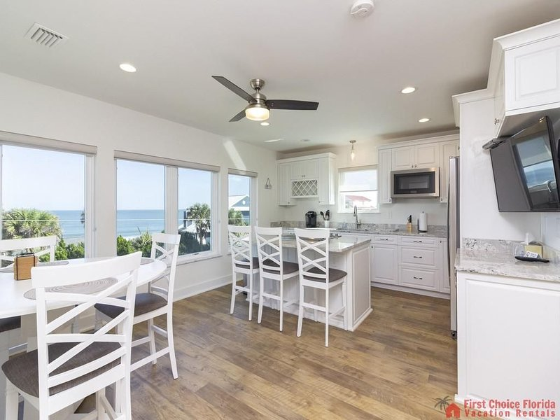 New Beach Home ~ POOL~ ELEVATOR ~ Minutes From Downtown!, holiday rental in Villano Beach