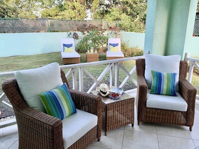 Airy coastal villa minutes from Miami Beach - 4 bed and 3 bath. – semesterbostad i Atlantic Shores