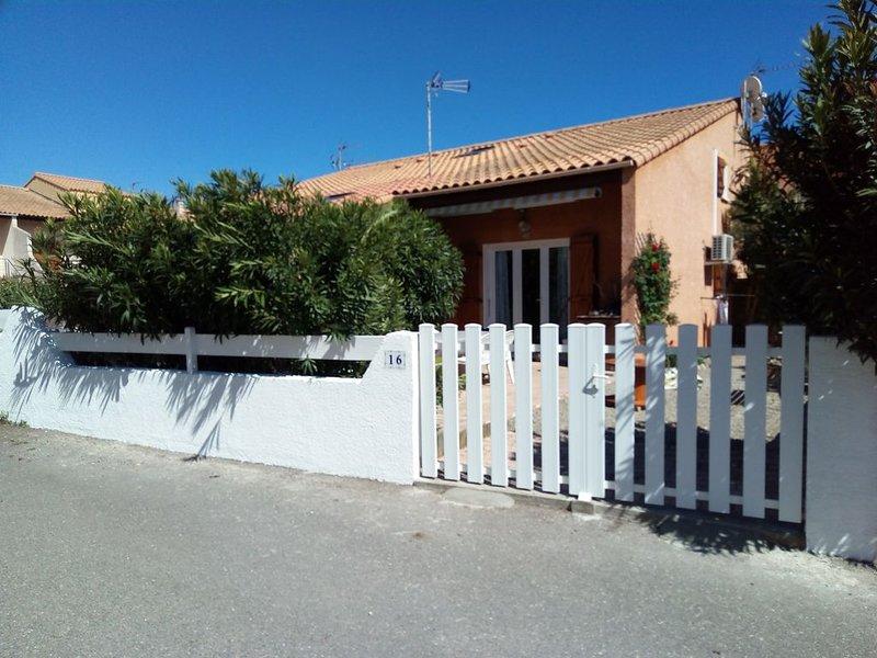 saint pierre la mer, fleury occitanie, villa climatisée avec terrasse et jardin, alquiler vacacional en Saint-Pierre-la-Mer