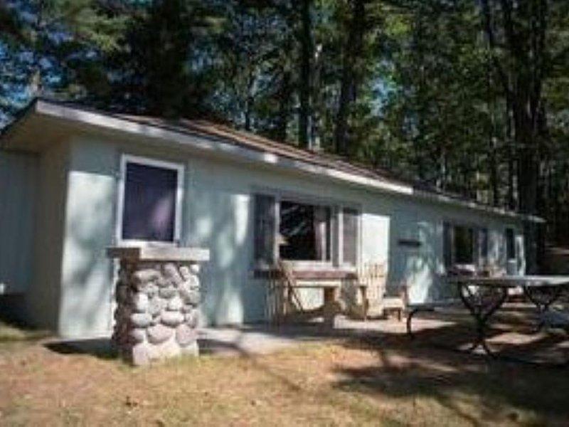 Duplex Cottage - Wren Roost, holiday rental in Hillman